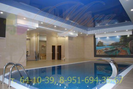 Натяжной потолок в двух уровнях в бассейне