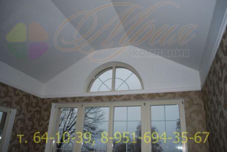 Матовый потолок на мансарде