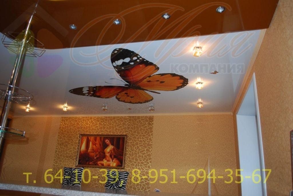 Натяжной потолок с фотопечатью на глянцевом полотне на кухне