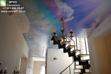 Натяжной потолок с фотопечатью в котедже