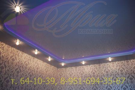 Натяжной потолок с закарнизной цветной подсветкой